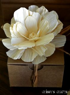 Crissy's Crafts: Flowers made out of corn husks