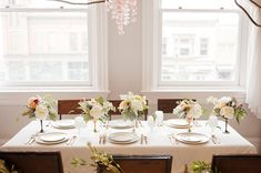 table settings, pretti tabl, centerpiec idea, white centerpiec, tabl color, ballet, white tabl, tablescap, tabl set