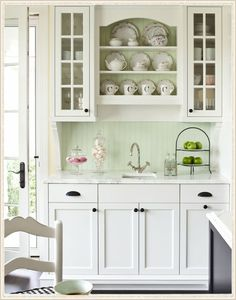 Martha O'Hara Interiors - pretty kitchen