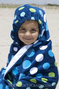 Hooded towel BACKPACK! Kids can carry their own towel to the pool or beach easily.