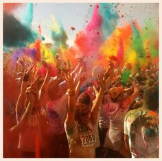 Color Runners put your hands up!