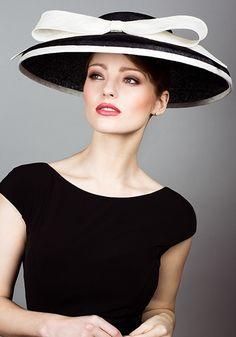Rachel Trevor Morgan, S/S 2014. Two tone straw cut through hat with bow.