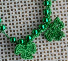 Shamrock necklace - crochet free pattern