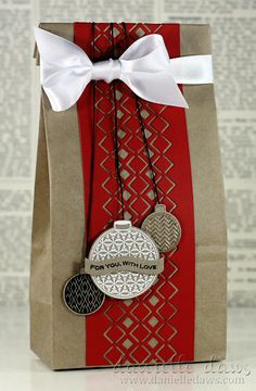Gift Bag; wrap; Christmas gift bags, brown paper bags, wrap idea, giftwrap, diy crafts, christmas gift wrapping, holiday gifts, coffee bags, christmas gifts