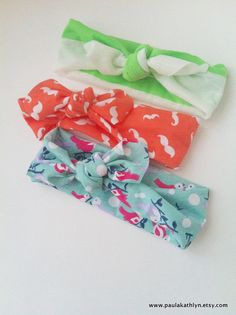 Fabric Baby Headbands...retro style! Someone needs to have a girl so that I can gift these! So cute!