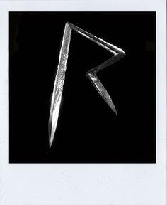 RIHANNA - A POLAROID STORY - POLAROID