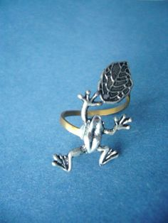 Frog ring with a leaf wrap style by stavri on Etsy, $19.00