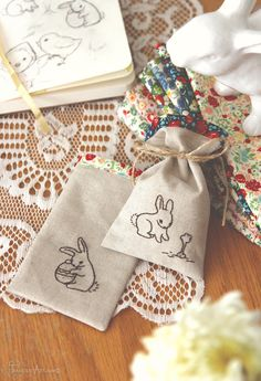Adorable DIY Embroidered Bunny Easter Treat Bags