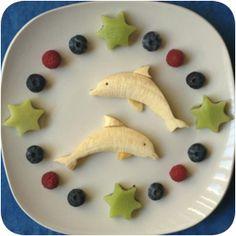 Banana-dolphins and kiwi-stars... lovely fruit snack for children!