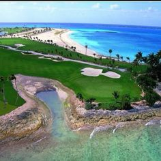 Golf Course @ Atlantis - We'd love to golf here!!