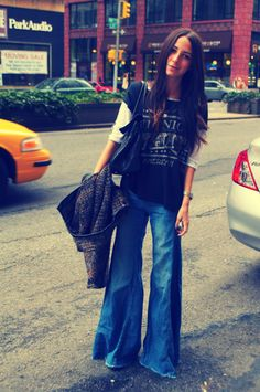 Jeans: Free People, Top: Free People, Shoes: Sam Edelman, Bag: Mulberry, Necklace: Alexa Leigh, Cape: Zara