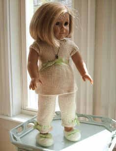 """Pants, top, and slippers pattern 18"""" dolls."""