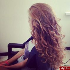 Love the curls♥