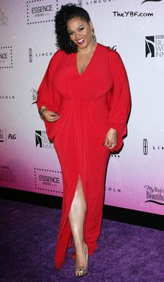 Jill Scott in aMichael Costello Couturedress at the Essence OnlineBlack Women in Music