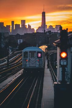 Sunset over the 7 Train
