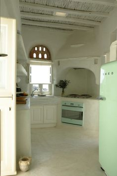 summer kitchen by the sea (viacreamylife blog)