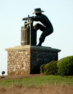 Love this statue....Favorite place on earth...Entrance to Napa Valley!