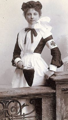 Cabinet photograph of a young nurse.