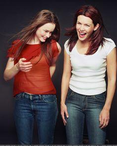 Lauren Graham and Alexis Bledel Best mother daughter relationship ever!!!