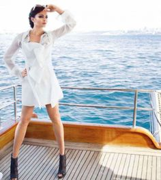 Aishwarya Rai Bachchan is a 'hot babe with ugly legs', says Times of India  #AishwaryaRai