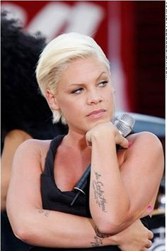 p!nk black hair  Pink Hairstyles