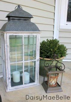 Cute front door/porch decorating ideas for Spring/Summer.