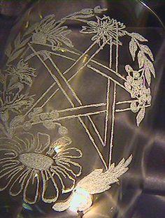 PENTACLE / PENTAGRAM Altar CHALICE Green glass / by MagickMade4U,