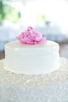 Gorgeous decorated wedding cake: http://www.stylemepretty.com/massachusetts-weddings/2014/10/22/stunning-hilltop-wedding-at-fruitlands-museum/   Photography: Samantha Melanson - http://www.samanthamelanson.com/