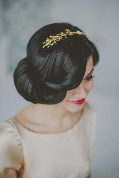 vintage hairstyles, wedding updo, vintage bridal, bridal hair, coiffur, bride, wedding hair styles, wedding hairstyles, snow white