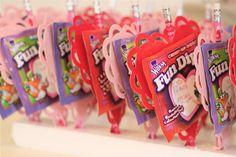 i might do this... student, ador valentin, fundip, fun dip, dip valentin, pencil valentin, holiday project, parti idea