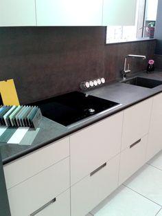 Si quieres equipar tu cocina con electrodomésticos Neff, puedes ir a Cuines Fernández, tienen dos exposiciones: En Mataró, C/la Riera, 155 y en Arenys de Mar, C/Jaume Partegàs, 2 (Pol.Ind.Valldegata Draper)