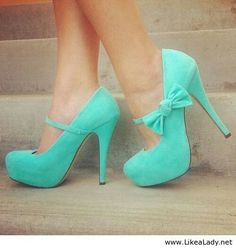 Teale shoes with a bow