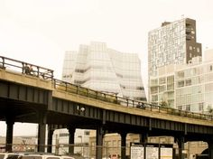 Frank Gehry, Jean Nouvel & Shigeru Ban, all in one pic. NYC, under the High Line.