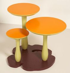 .love this table.. mushroom, perfect for a nature themed room.