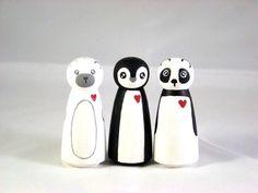 Animal peg dolls. Good idea.