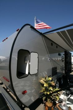How to Paint the Outside of a Travel Trailer
