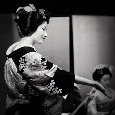 げいしゃ。 (Yukino of Nagoya by YUJI HIRAYAMA on Flickr)