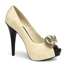 Peep-Toe Pump in Beige Suede
