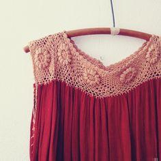 1970s Rusted Flower Crochet dress   No Carnations #crochet #vintage #dress #flowers