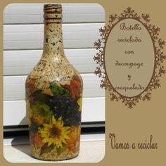 Botella decorada con decoupage y craquelado