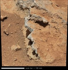 Mars Rover Curiosity Finds Pebbles Likely Shaped by Ancient River | Space.com