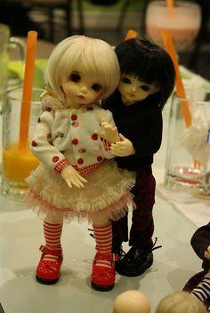 BJD  (ball jointed dolls)