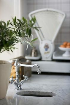 love the scale - Décor de Provence: Things To Love...