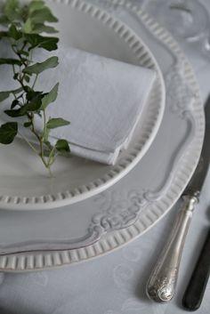 White Table Setting Ideas