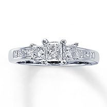 14K White Gold 1 Carat t.w. Three-Stone Diamond Ring