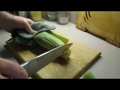 Corn on the Cob in a Microwave Oven - YouTube