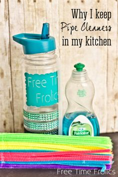 Why I keep pipe cleaners in my kitchen! how to clean a straw- no a dishwasher doesn't work.  www.freetimefrolics.com #cleaningtip