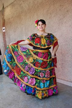 Dress from the state of Chiapas by SurRealismoReal, via Flickr