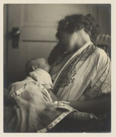 Mother and Baby - c.1900 | Community Post: 25 Historical Images That Normalize Breastfeeding