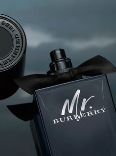 Mr. Burberry Eau de Parfum. Sensual, nocturnal, intense.